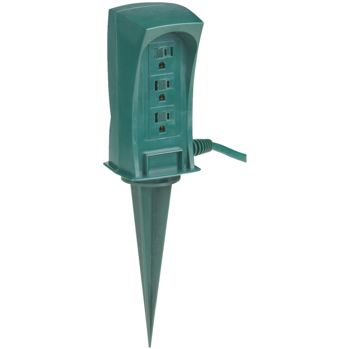 Do it 3-Outlet 13A Outdoor Power Stake with 6 Ft. Cord Image 1